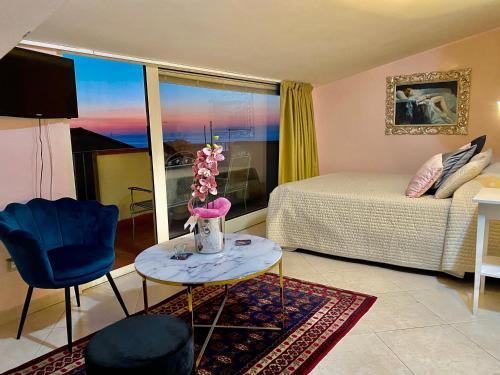 . Hotel Scilla