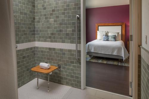 Two Bed Hearing Accessible Room with Roll In Shower