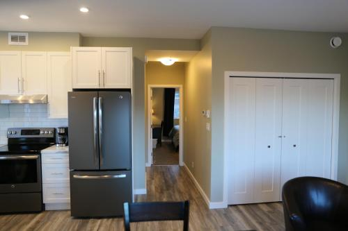 Downtown Whitehorse Deluxe 2 Bedroom Condo - Whitehorse, YT Y1A 2K9