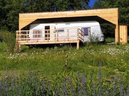 cararetro , caravane chauffée et climatisée - Camping - Saint-Silvain-Bellegarde