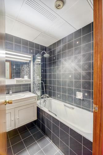 Contact Hôtel Limoges - HOTEL DES DEUX MOULINS - Ex HOTEL BONI - Hotel - Limoges