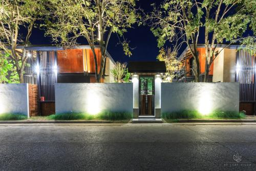 At Leaf Villa