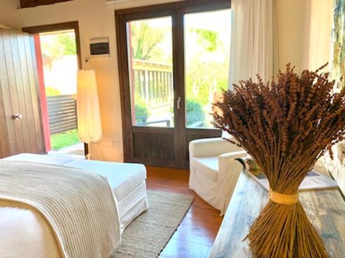 Doppelzimmer mit Terrasse Hotel Masia La Palma 8