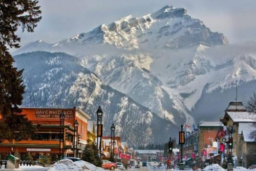 Banff Mountain Home- The Real Rockies Experience - Banff