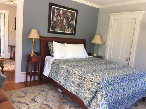 Bourne Bed and Breakfast - Accommodation - Ogunquit