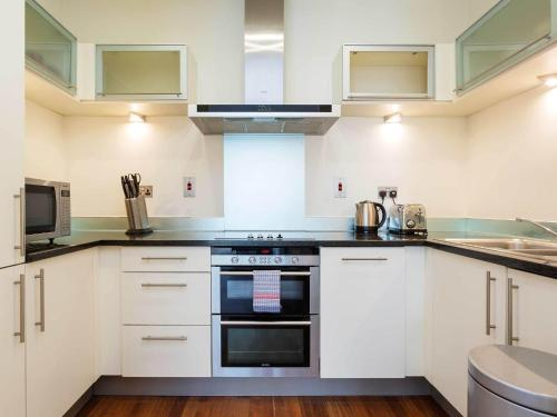 Gorgeous Apartment in London near Southwark Park - image 3