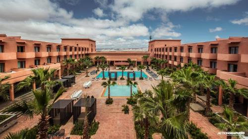 . Oasis Palm Hotel