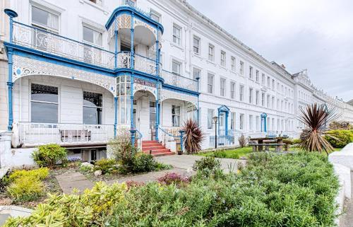 Whitehouse Hotel