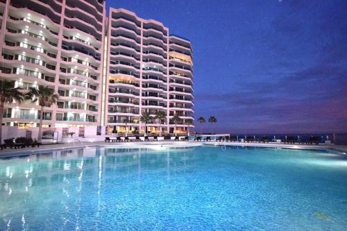 . Esmeralda Beach Resort
