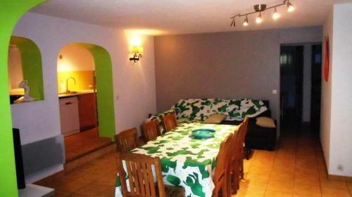 Appartement 8 pers. bord de mer - 3 Pièces 8 Personnes 138743 - Location saisonnière - Saint-Tropez