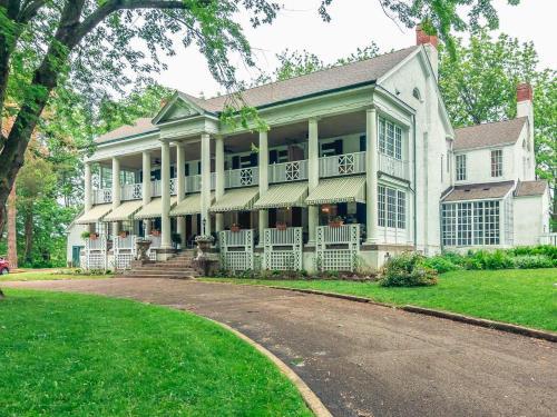 Montrose Inn - Accommodation - Belleville