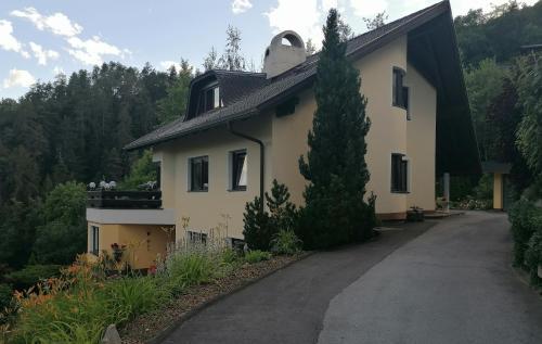Haus Reinstadler - Apartment - Imst-Gurgltal