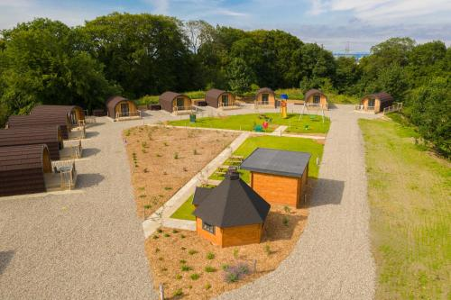 Weedingshall Lodges