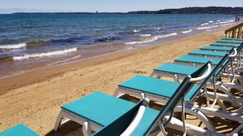 . Brio Beach Inn