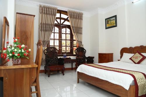 Tân Hoàng Gia Hotel - Photo 8 of 71