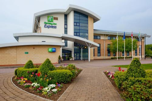 . Holiday Inn Express Northampton - South, an IHG hotel