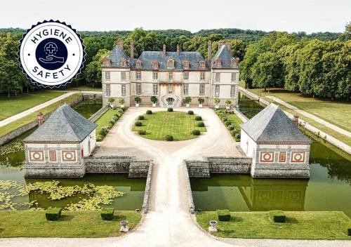 . Château-Hôtel de Bourron