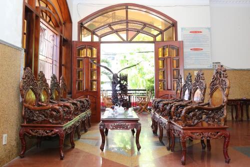 Tân Hoàng Gia Hotel - Photo 4 of 71