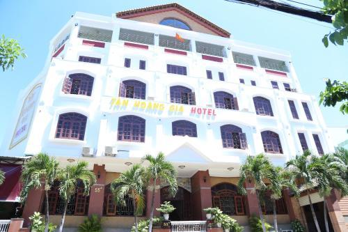 Tân Hoàng Gia Hotel - Photo 2 of 71