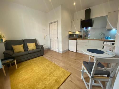 . Avenham Apartments