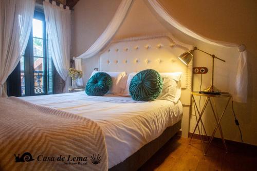 Double or Twin Room Casa de Lema 7