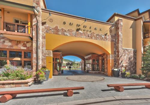 Sundial Lodge 2 Bedroom by Canyons Village Rentals Main image 2
