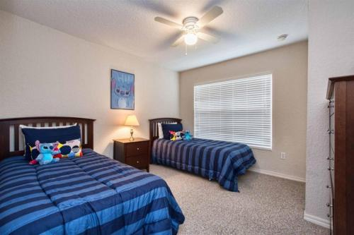 Great location 4Bed 3bth Townhouse with kids themed room's - image 2