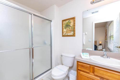 Magical 3Bdr 2bth for 6ppl with Pvt Pool With Huge Clubhouse and amenities near Disney Parks - image 2