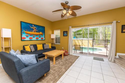 Magical 3Bdr 2bth for 6ppl with Pvt Pool With Huge Clubhouse and amenities near Disney Parks - image 7