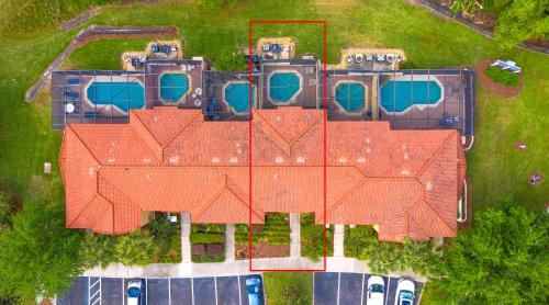 Magical 3Bdr 2bth for 6ppl with Pvt Pool With Huge Clubhouse and amenities near Disney Parks - image 11
