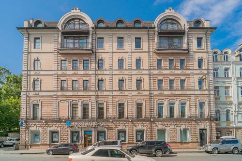 . Rooms for rent on 51 Svetlanskaya street
