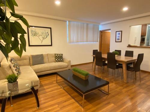 Hotel Casa Donceles Apt 5 Precioso y super amplio, ubicación ideal, sanitizado! 9 min del Zócalo, 4 min del Palacio Bellas Artes, WiFi gratis!!