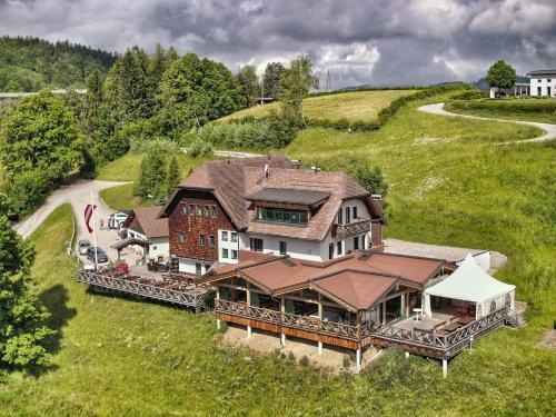 __{offers.Best_flights}__ Gmundnerberghaus