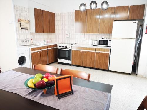 Sunny Apartment Larnaca - Photo 2 of 39