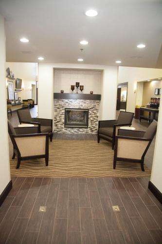 Hampton Inn & Suites Alpharetta-Windward - Alpharetta, GA GA 30004