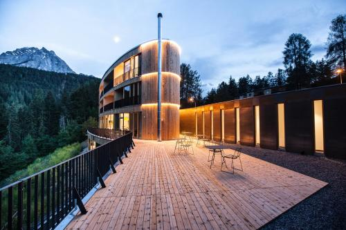 . Hotel Arnica Scuol - Adults Only