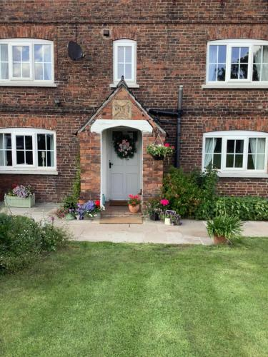 Birtles Farm Bed And Breakfast, Tatton Park