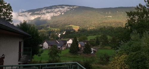 Studio entre lac et montagne - Apartment - Attignat-Oncin
