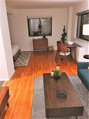 . Yorkville East Side Apartments 30 Day Rentals