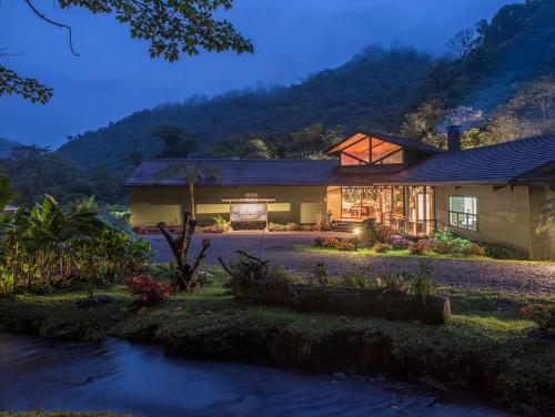 . El Silencio Lodge & Spa