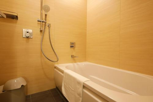 Premiere Twin Room with Tatami Area - Non Smoking - Buffet Dinner Included - (New) Orinkaku Wing