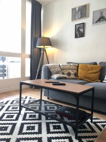 Airelle, bel appartement avec loggia vue montagne Font Romeu