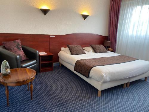 . Logis Hôtel Fontaine