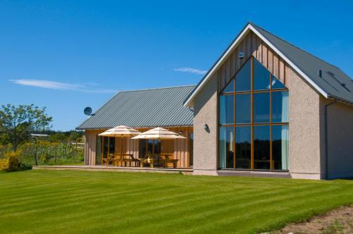 Clovenstone Lodges