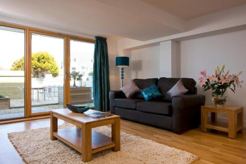 Fistral Beach Garden Apartment 3, Crantock, Cornwall