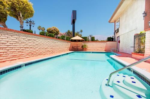 Ramada by Wyndham Pasadena - Pasadena, CA CA 91107