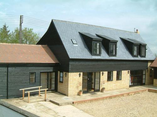 Highfield Farm - Sandy