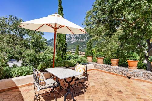 Superior Double or Twin Room with Terrace Finca Hotel Son Palou 9
