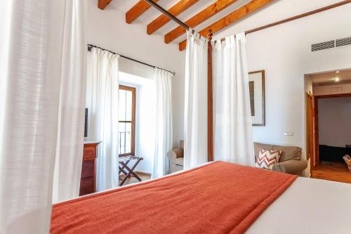 Superior Double or Twin Room with Terrace Finca Hotel Son Palou 4