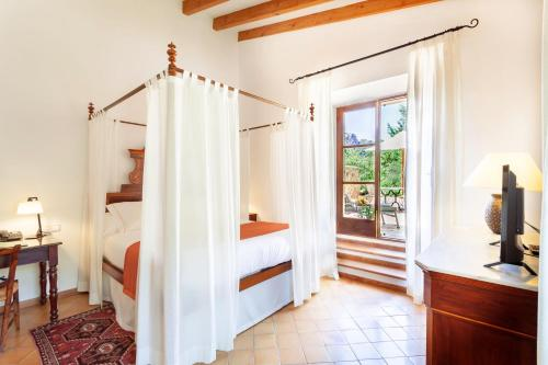 Superior Double or Twin Room with Terrace Finca Hotel Son Palou 5
